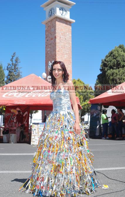 Vestidos Hechos Con Materiales Reciclables